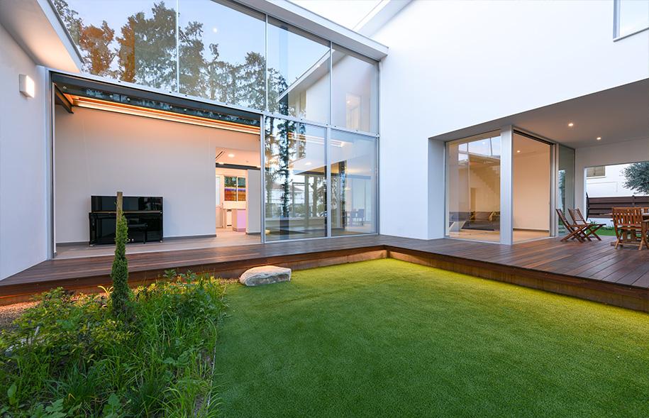 Internal courtyard sliding glass doors