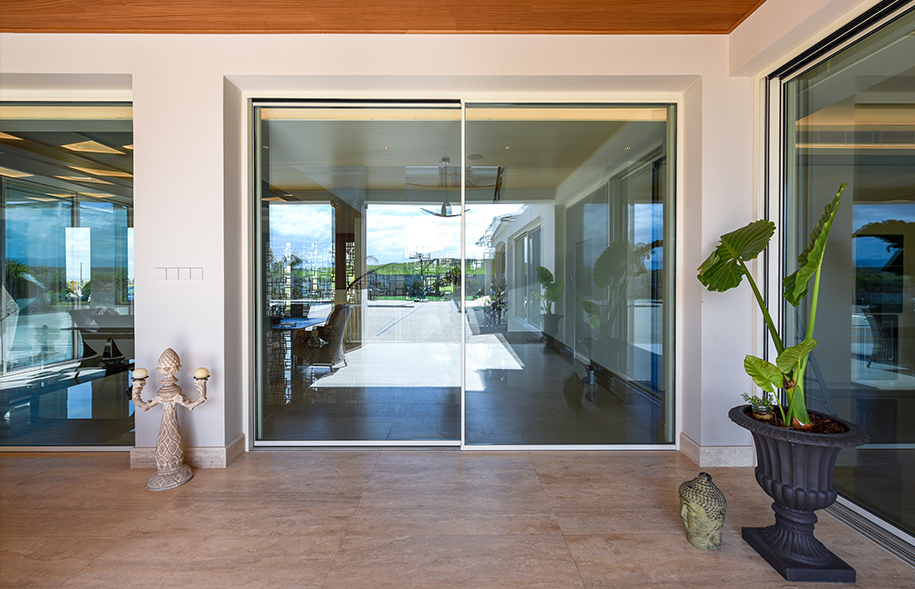 Sliding minimal glass doors