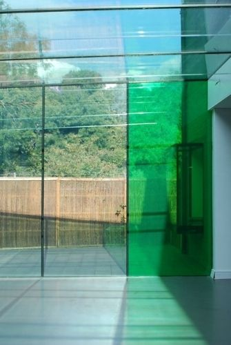 laminated glass with a coloured interlayer